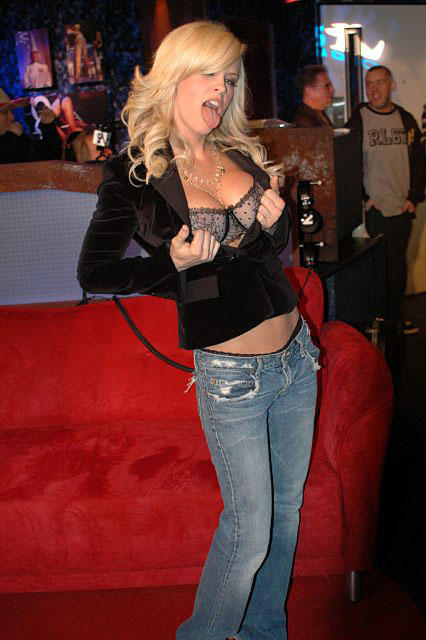 Have jenny mccarthy sucking dick